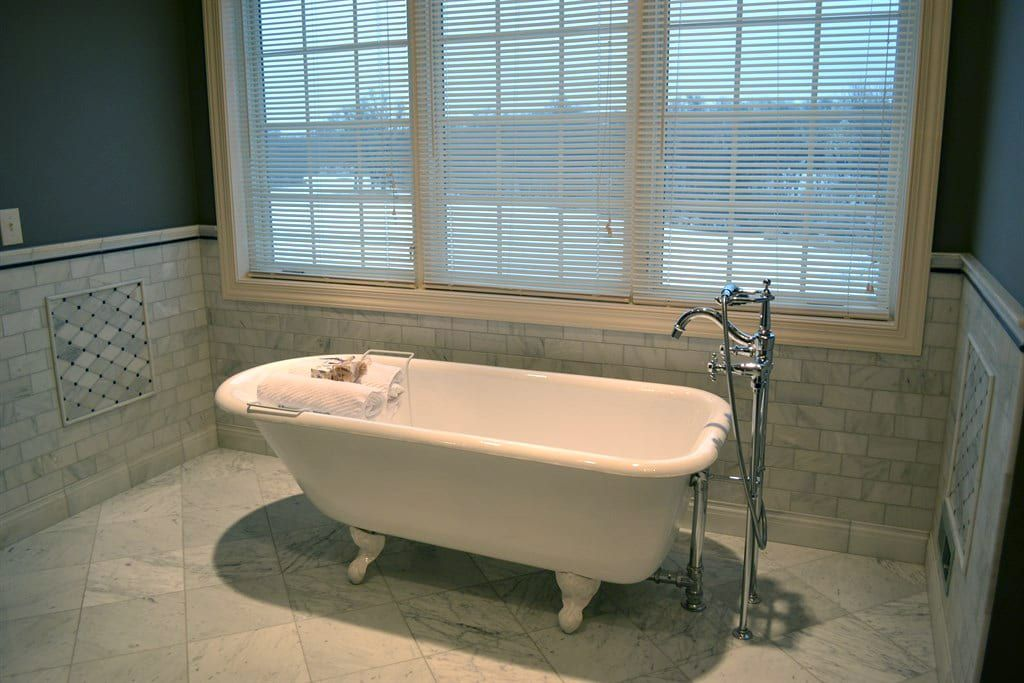 Best Bathtub Refinishing click http://arizonabathtubrefinishing.com ...