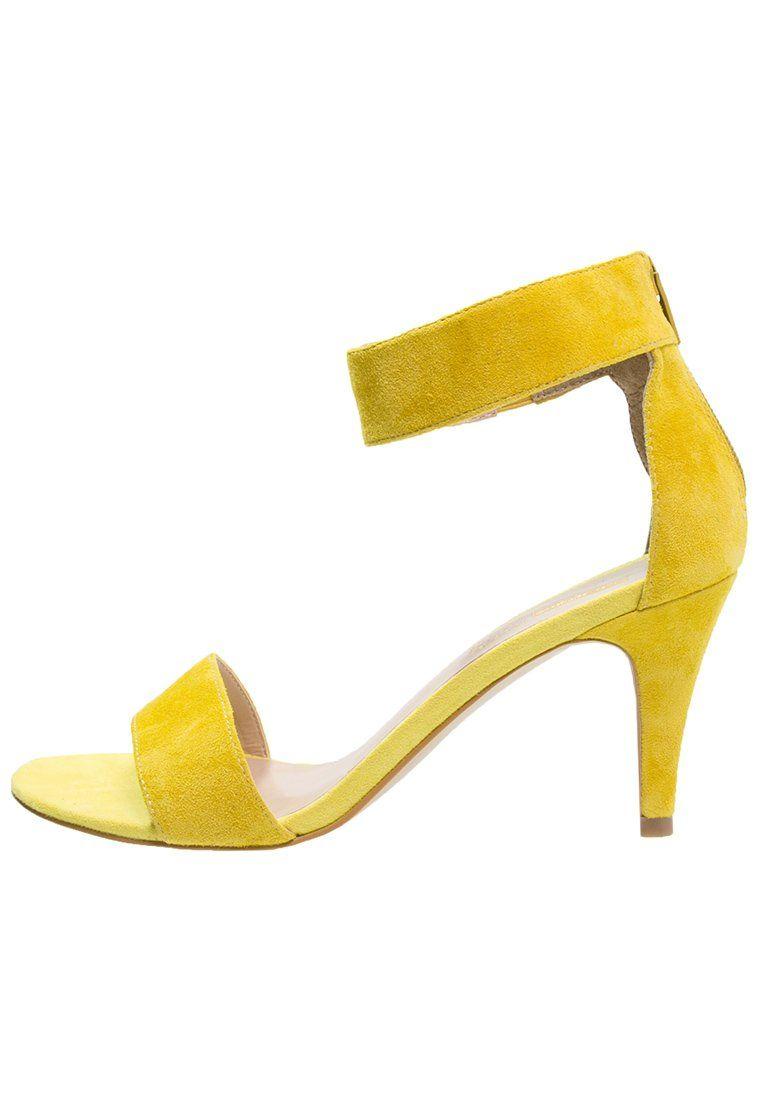 Classiques & Spartiates Pier One Sandales bright yellow