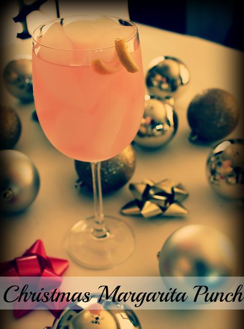 Friday Happy Hour: Christmas Margarita Punch - MyThirtySpot #christmasmargarita
