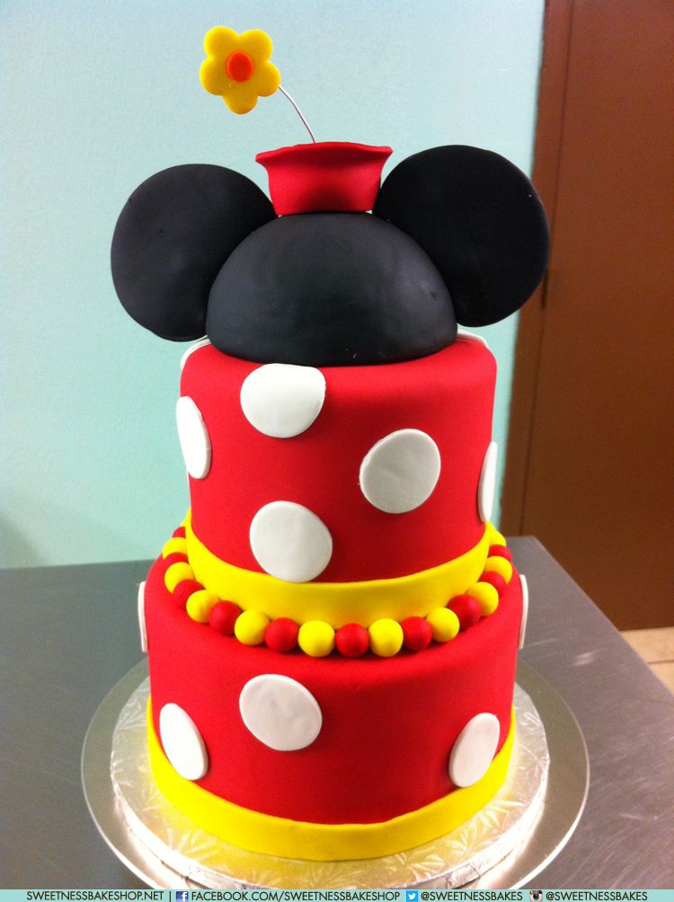 """8"""" & 6"""" Classic Minnie Mouse Cake 