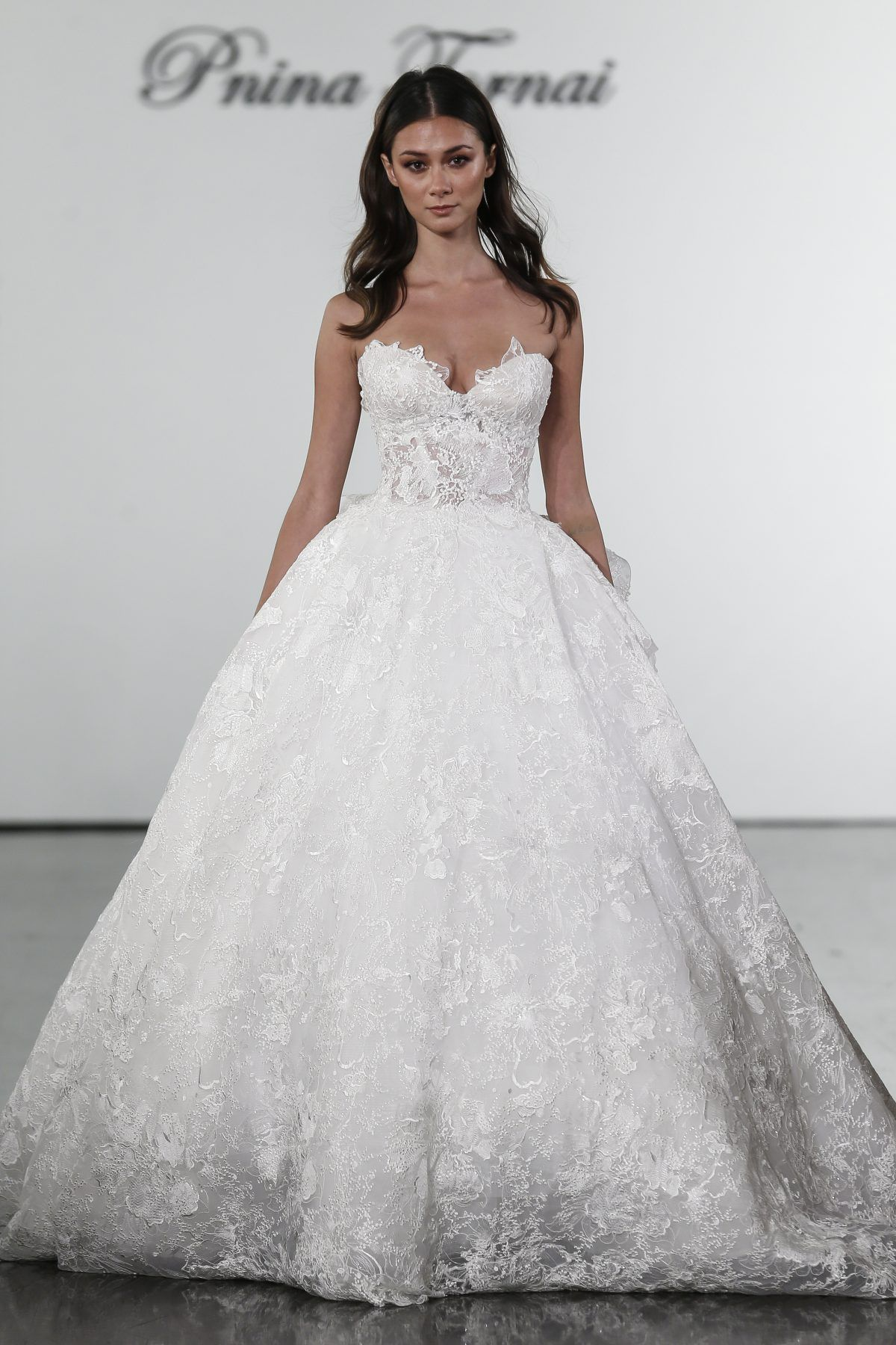 Sweetheart Floral Lace Ball Gown Wedding Dress Pnina Tornai Style 4716 Pnina Tornai Wedding Dress Pnina Tornai Ball Gown Ball Gowns Wedding