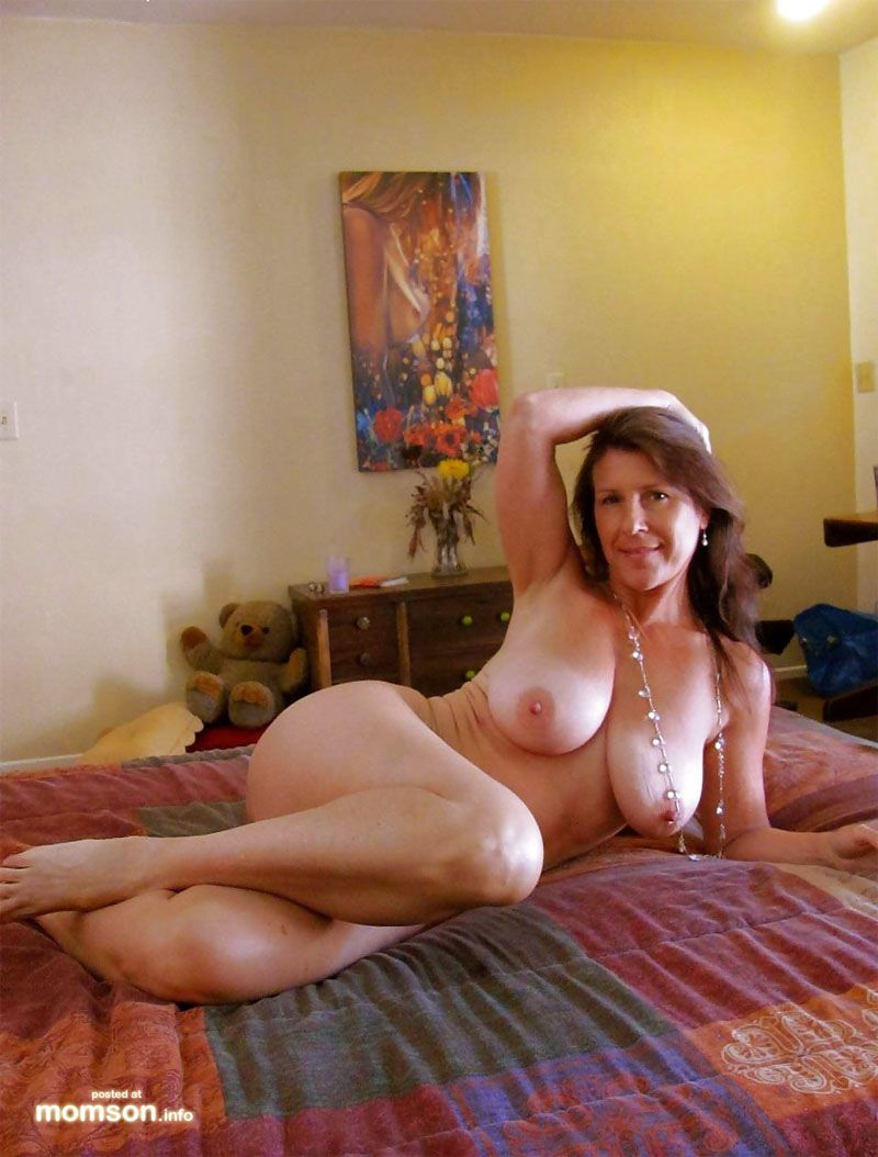 Mom bed hot naked on