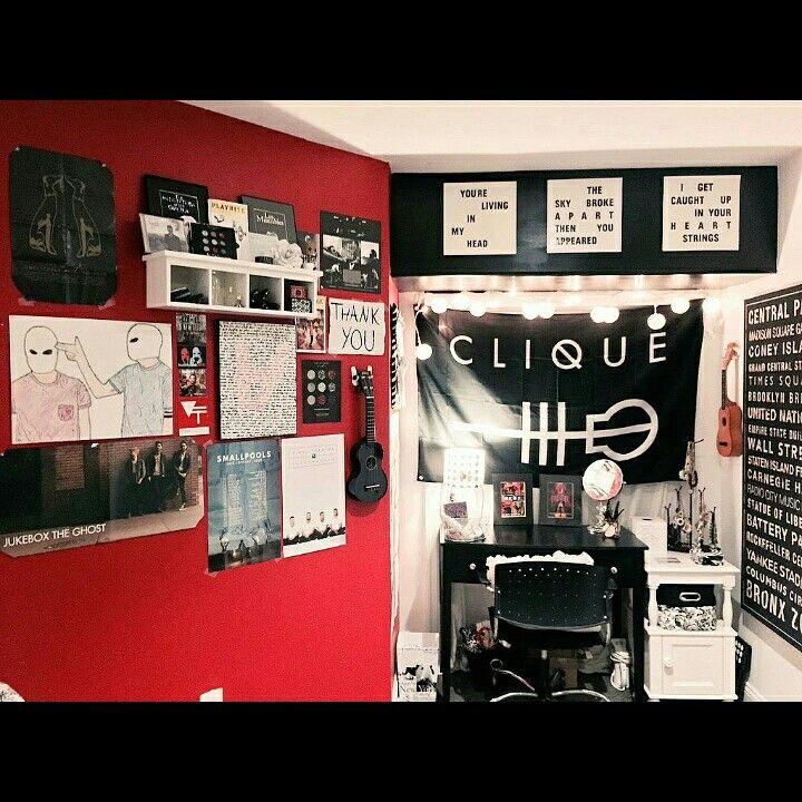 Skeleton clique room love pinterest skeletons room for Band bedroom ideas