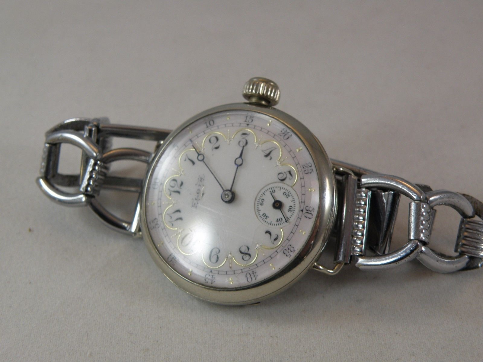 1900 elgin wire lug men`s watch....extremely handsome multicolor ...