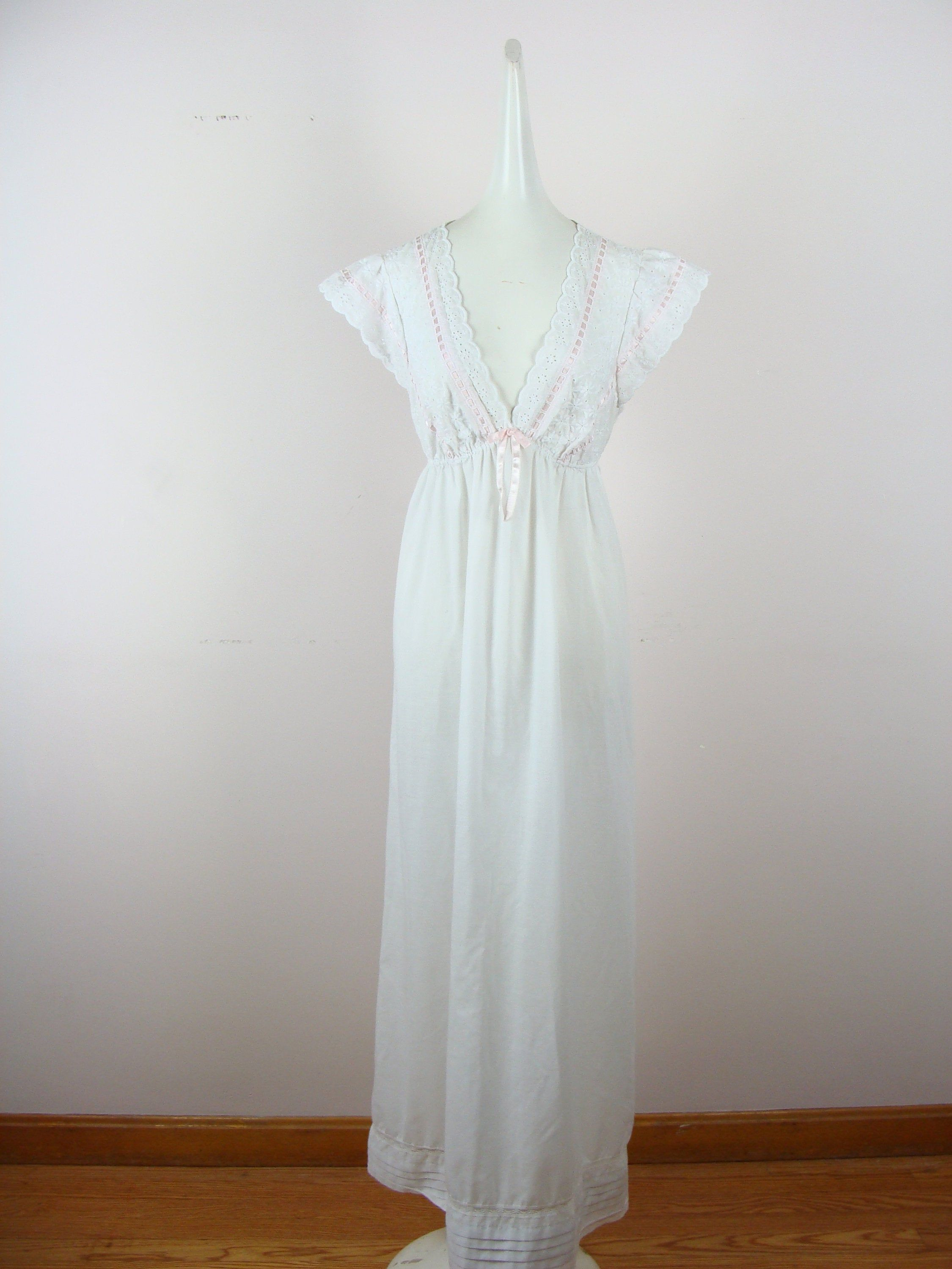 Vintage Nightgown 70s Romantic Flowy Full Length Eyelet Etsy Night Gown Vintage Shift Dress Vintage Nightgown [ 3000 x 2250 Pixel ]