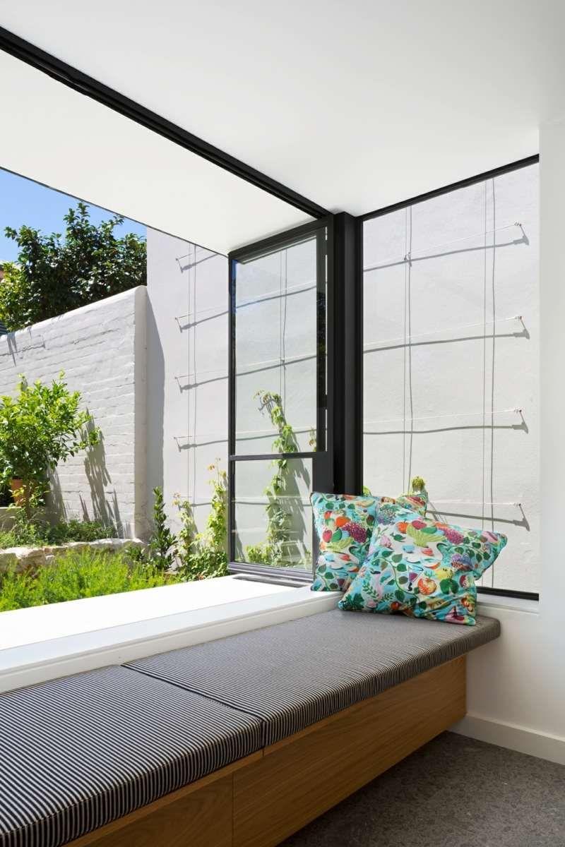 Cool Moderne Sitzecke Galerie Von Eine Mit Sitzpolster Und Bunten Dekokissen