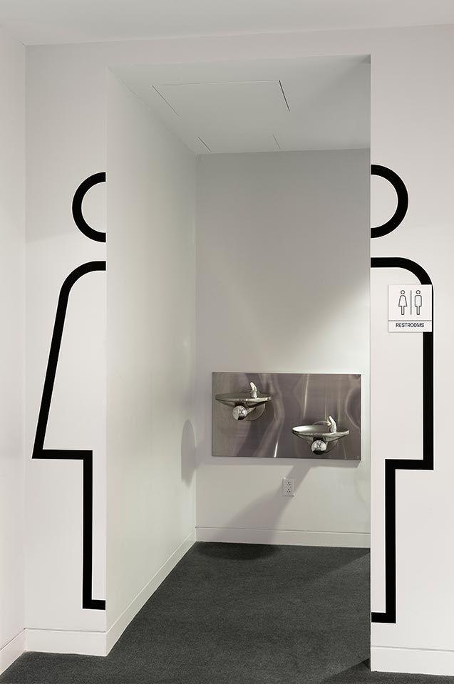 Dark side of typography bathroom design for Programmi per interior design