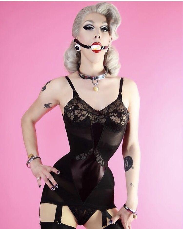 Violet black femdom kink | Adult photo)