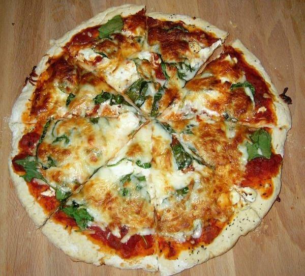 Recette De Pizza Faite Maison Recettes Friteuse Sans Huile Recettes De Cuisine Pizza Fait Maison