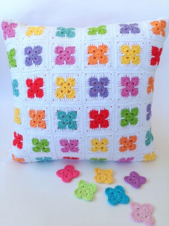 Fleur Motif Cushion (free pattern) by Poppy & Bliss | Crochet | By ...