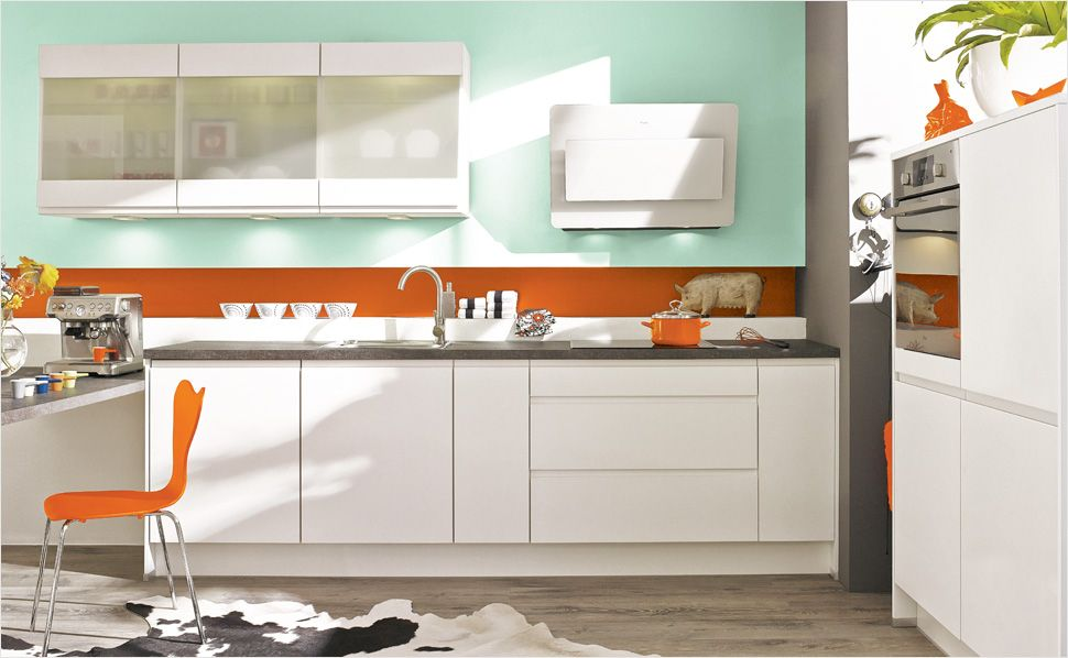 Mut zur Farbe Kombinieren Sie eine schlichte Küche mit modernen - moderne fliesenspiegel k che