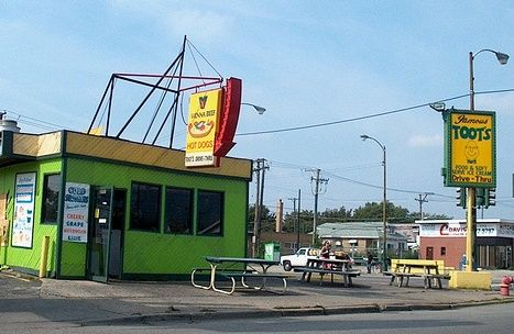 Cal's Creamy Whip Toot's DriveIn chicago memories