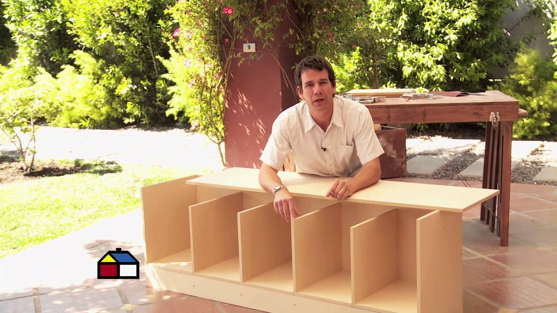 Cómo construir una banqueta estantería de cama? | Pie de cama mueble, Como  hacer closet, Cama estantería