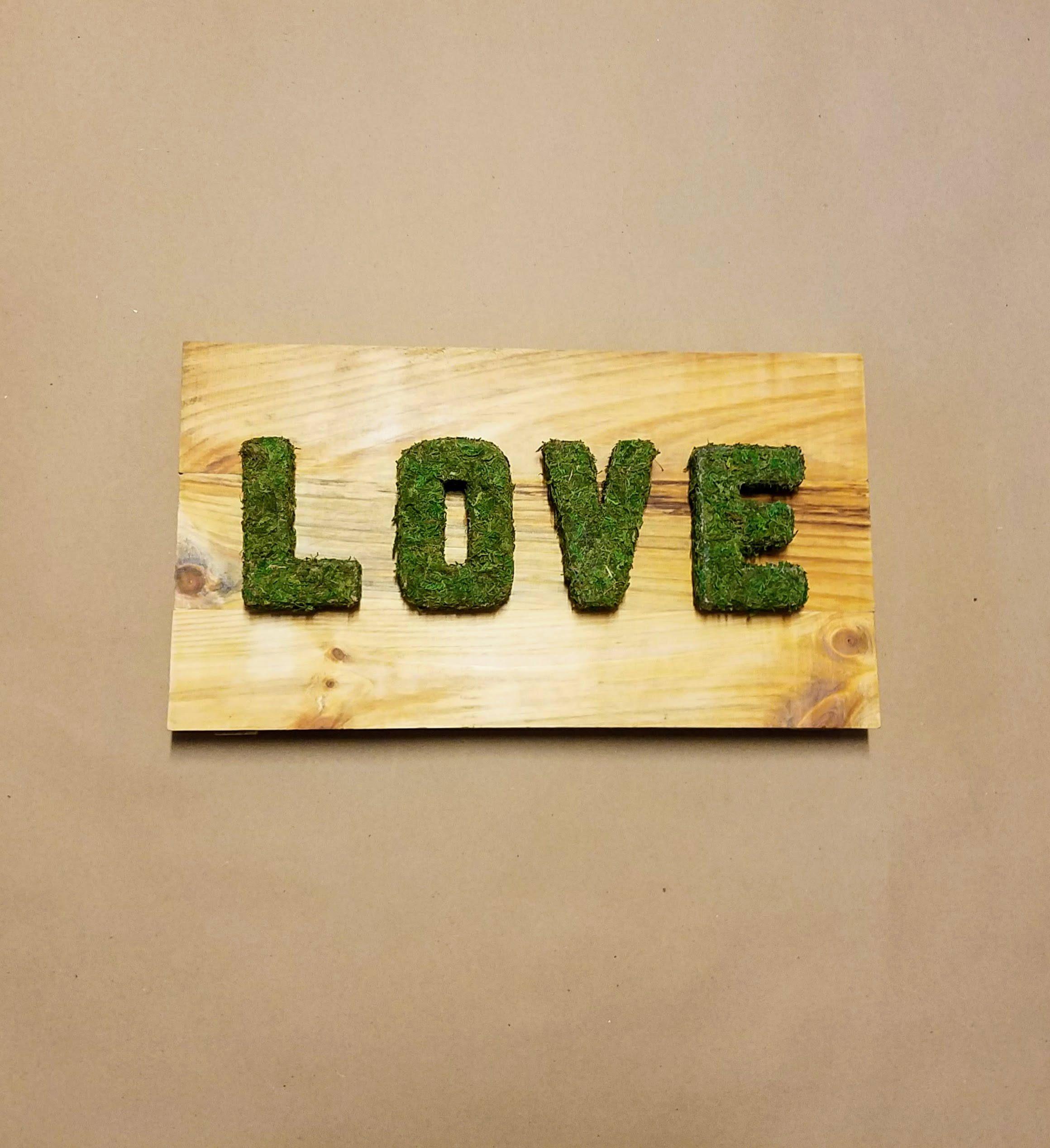 Reclaimed Wood LOVE Sign - Moss Heart - Home Decor - Wall Decor ...