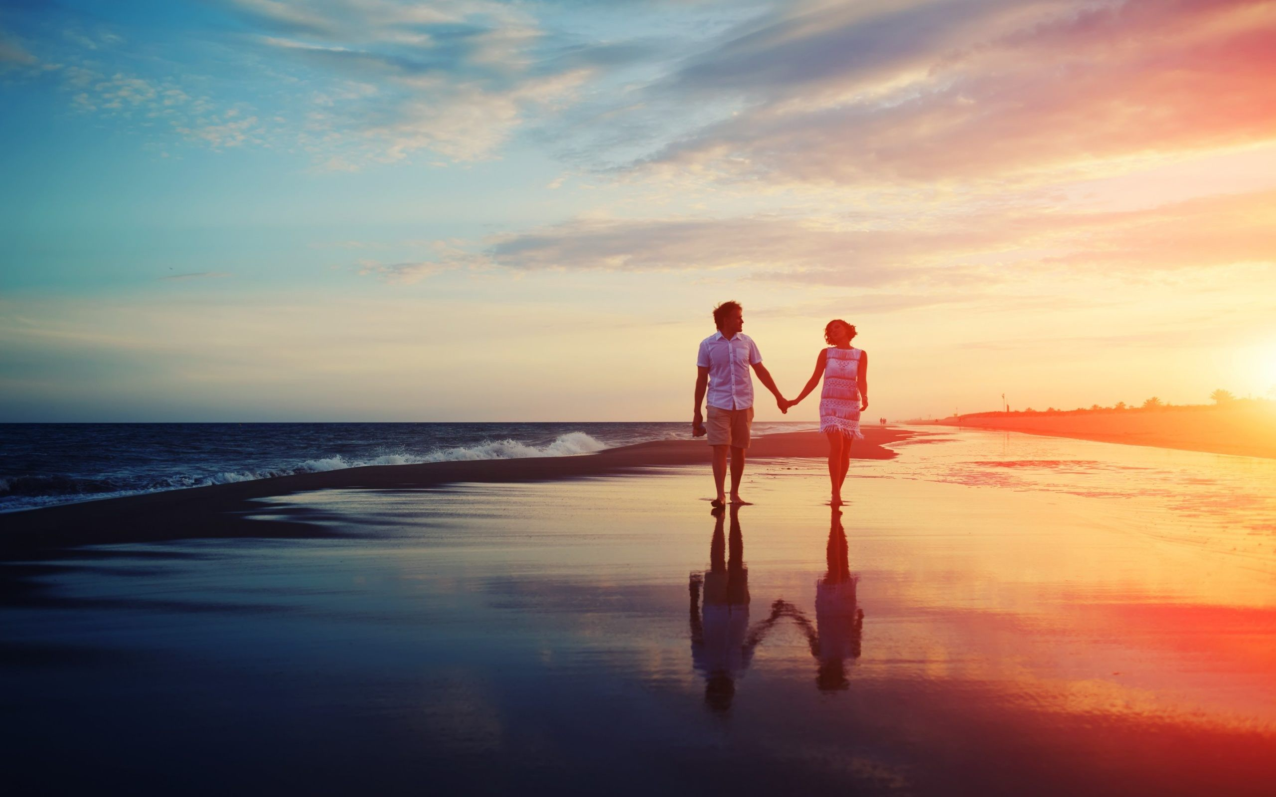 Permalink to Love Couple On Beach Wallpaper