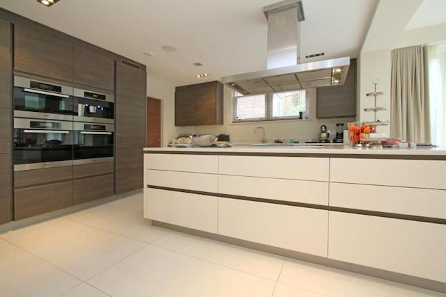 Detached House To Rent In Home Park Road Wimbledon London