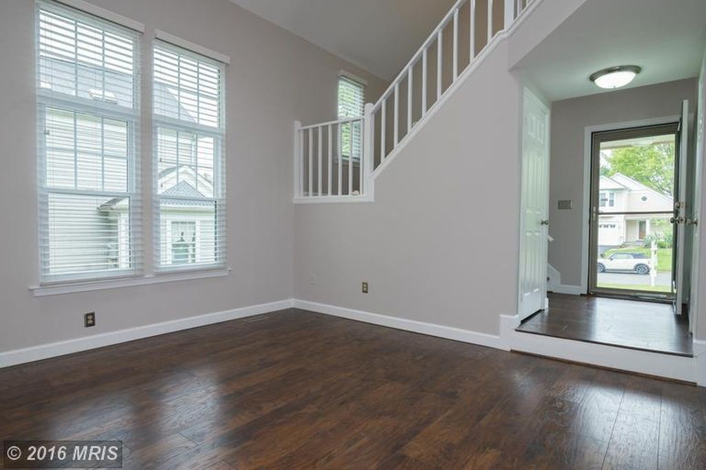 Canyon Echo Glidden Paint With Saratoga Hickory Floors Loudoun Houses Pinterest House