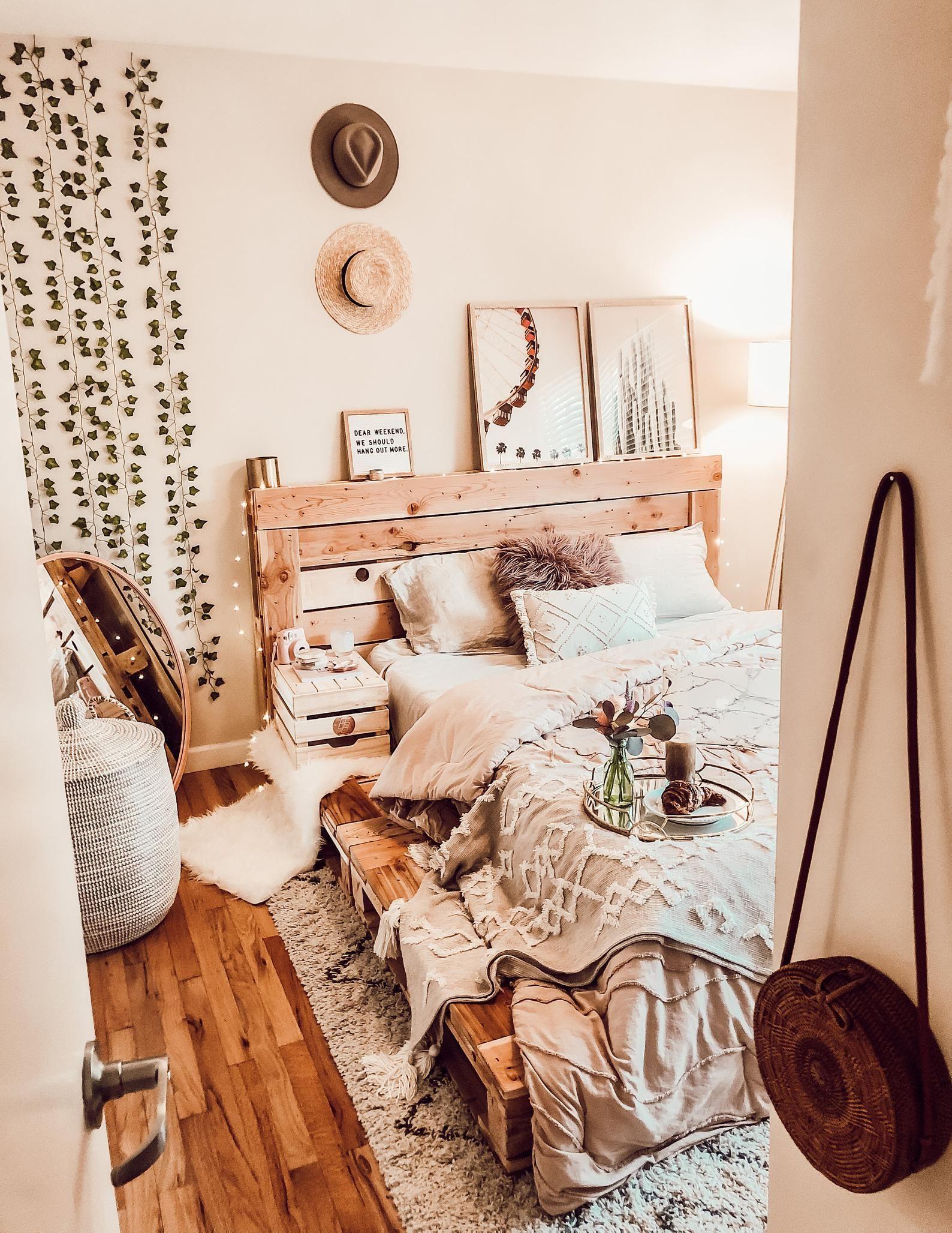 Pallet Platform Bed -queen in 2019 | Boho bedroom decor ... on Pallet Bed Room  id=44846