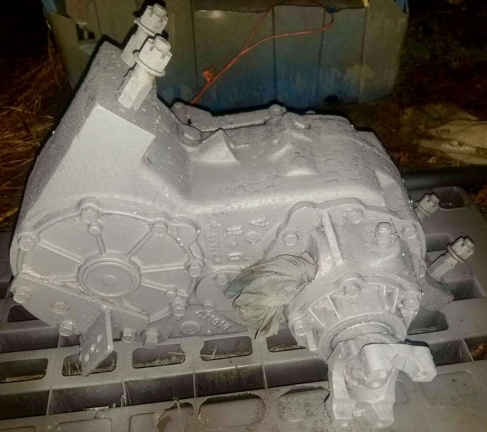 1976 FORD NP 205 TRANSFER CASE DIVORCED 3/4  TON
