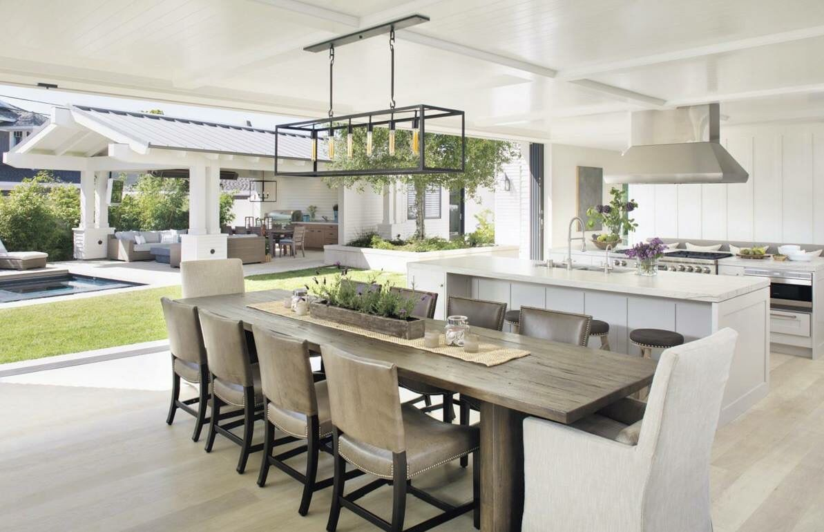 Love this beautiful indoor/outdoor kitchen | Contemporary ...