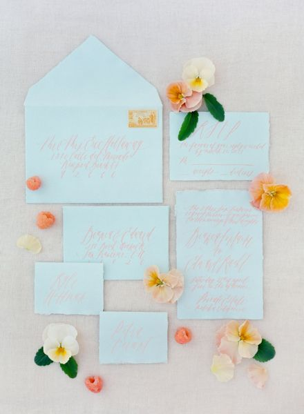 Inspire-se com estas ideias para decoração o seu casamento em tons de azul. Vai apaixonar-se por todas! Image: 36