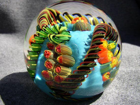 Blown Glass Paperweight Via Etsy Pesos De Papel Arte Em Vidro