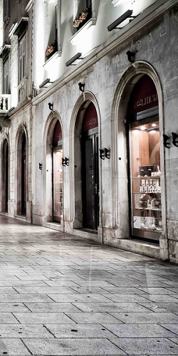 Love the shopping ... and kavu Split - Croatia