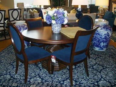 6pc Formal Dining Room Set With Traditional Dark Wood Round