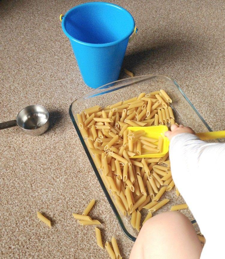 20 Indoor Aktivitäten für 1-jährige Kinder – So beschäftigen Sie Ihr Kind zu Hause an Regentagen #bibsforbaby
