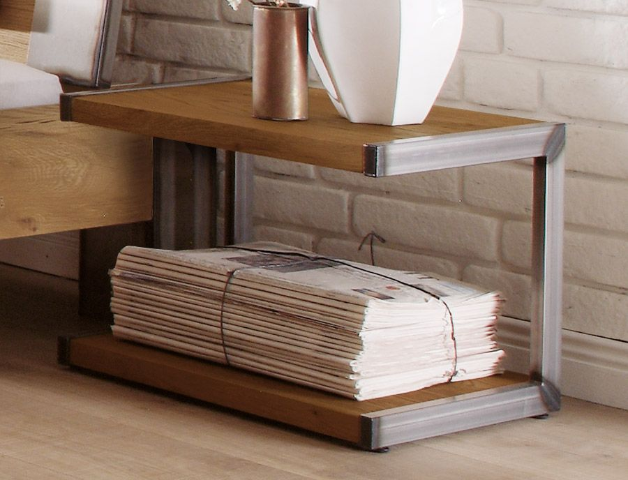 Balkenbett rustikal  Schlichter Nachttisch mit stilvollen Stahl-Elementen. | Betten.de ...