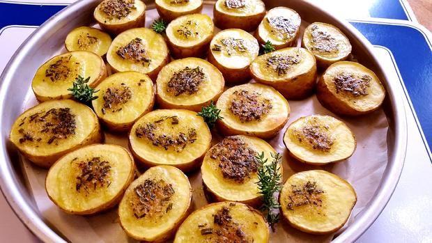 Herzhafte Kartoffeln vom Backblech ... - Rezept