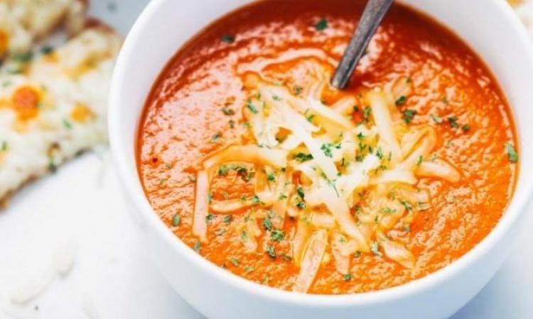 La soupe aux tomates maison facile et d licieuse soupes soupe tomate recette soupes - Potage a la tomate maison ...