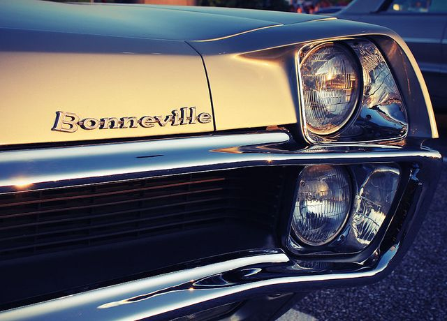 1967 Pontiac Bonneville Headlight Design