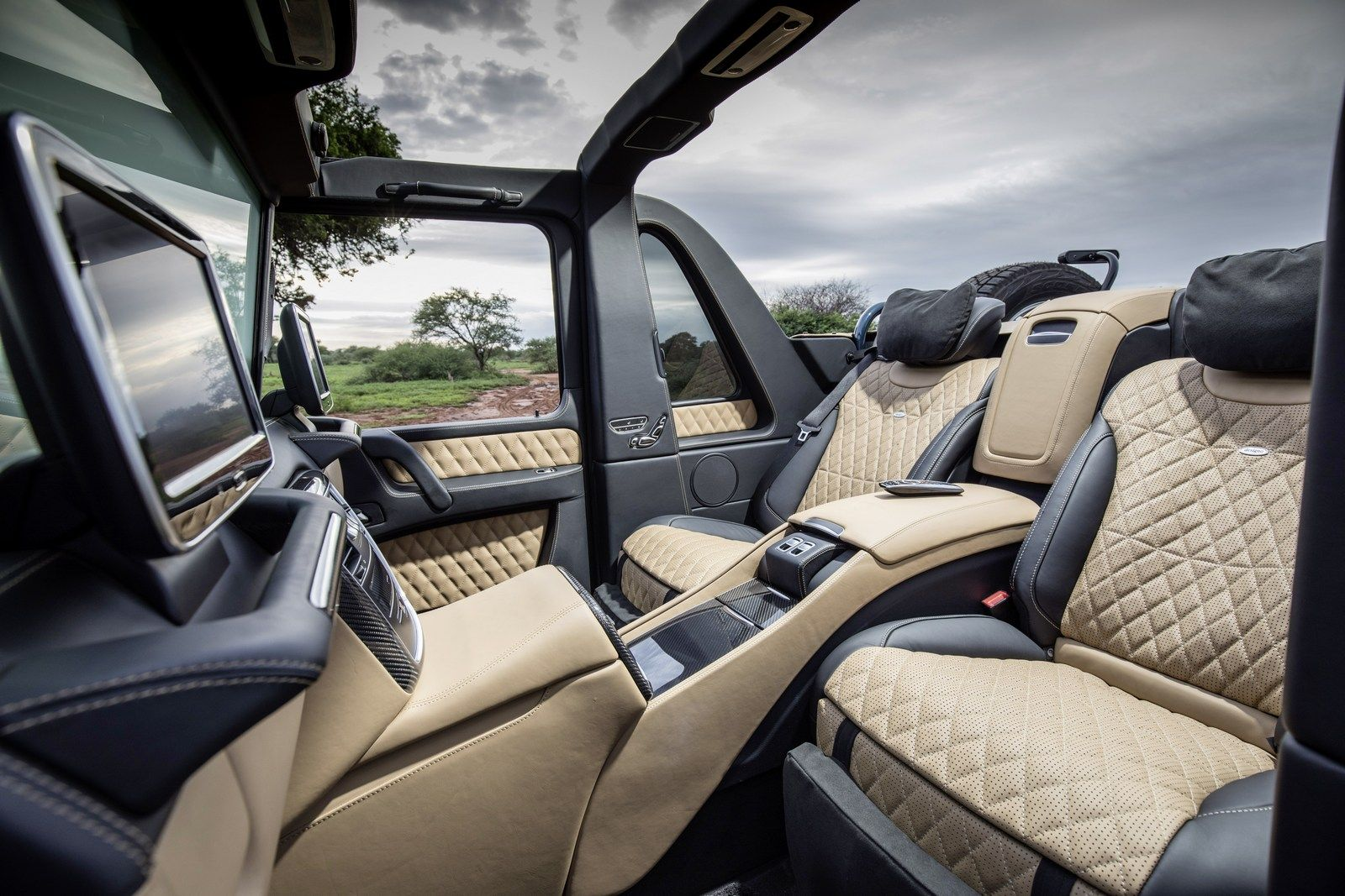 Final Mercedes Maybach G650 Landaulet To Be Auctioned For Charity