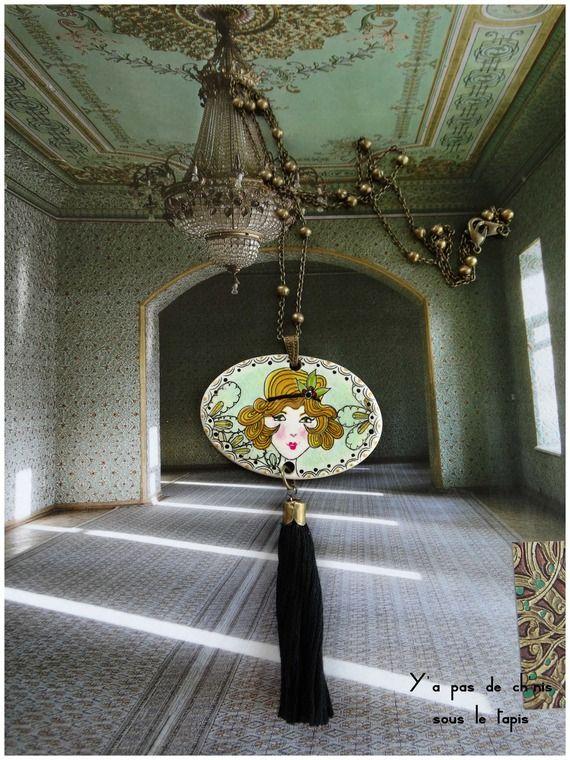 Sautoir médaillon en porcelaine - Inspiration les années folles