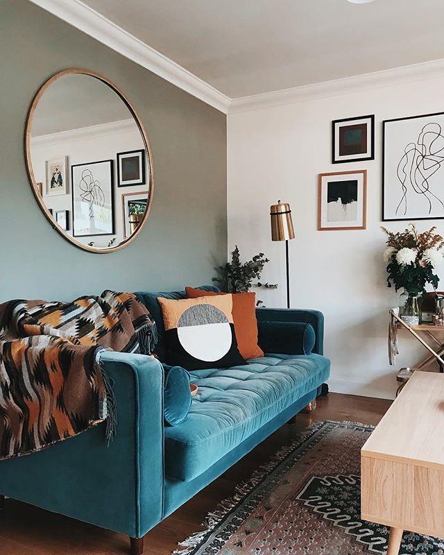 Seine natürlichen Töne während dieser Saison und die Einrichtung des Wohnzimmers von Apogee Interiors ... #dieser #einrichtung #livingroomdeco #naturlichen #saison #seine #wahrend #wohnzimmers #boholivingroom