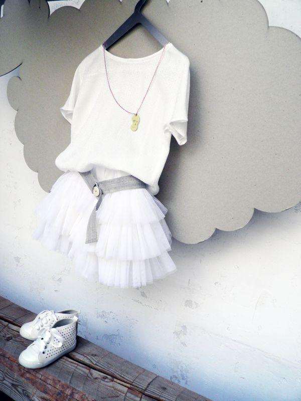 0605bd5a7e3 Μοντερνα φορεματα για παρανυφακια | παρανυφακια | White Shorts ...
