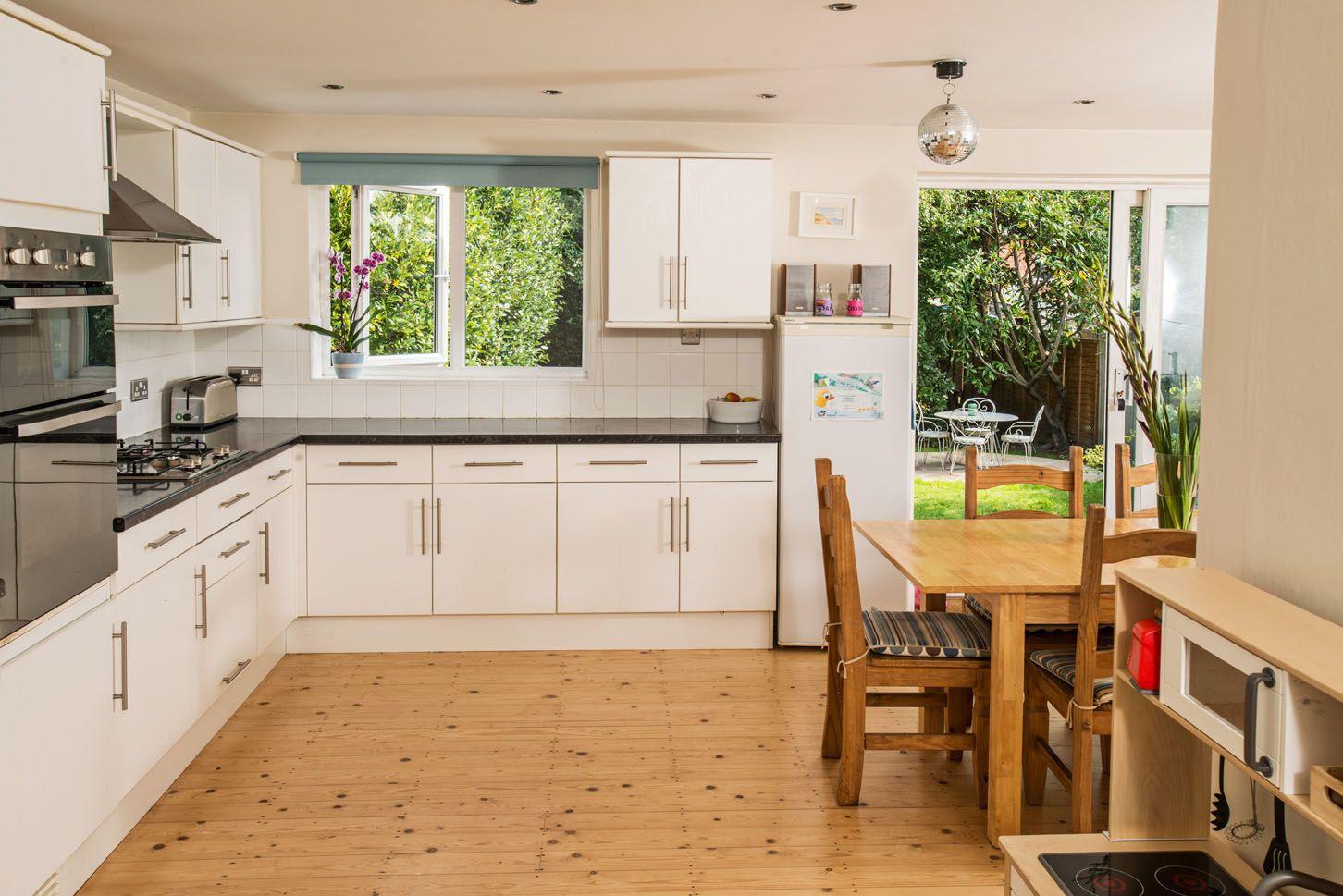 grande maison victorienne pr s de la plage bournemouth uk homeexchange cuisine pour les. Black Bedroom Furniture Sets. Home Design Ideas