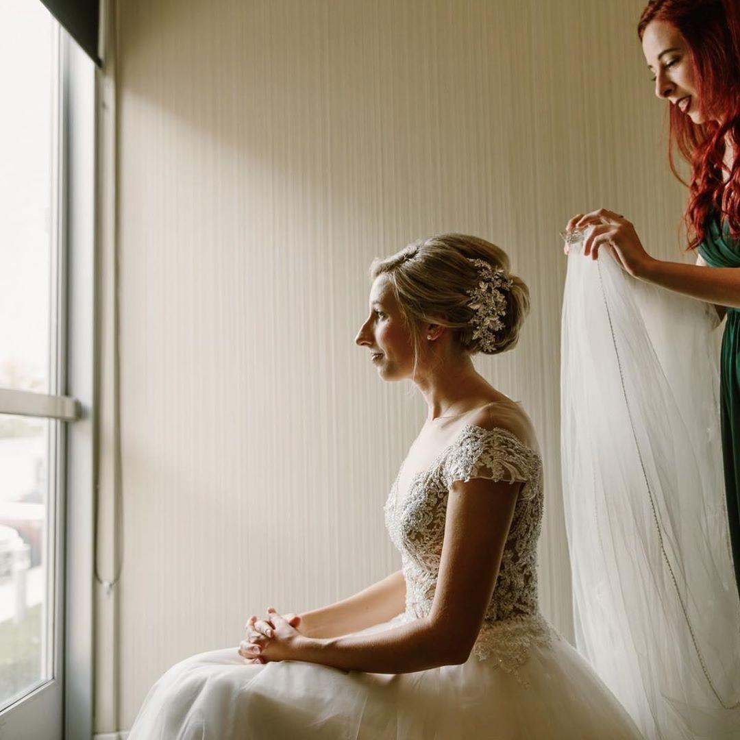 37b0cce1e53f Green Bay Wedding, Wisconsin Wedding Photographer, Erika's Bridal Boutique,  Susan G Allen Couture, Ole 41, Wisconsin fall wedding, bride getting ready,  ...
