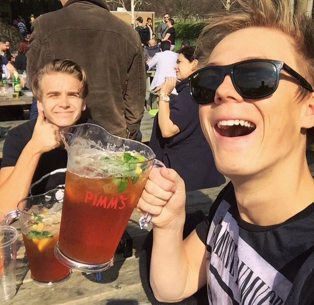 Caspar celebrating 4m subscribers with Joe