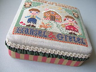Gera's cross stitch design◆Hansel & Gretel 2006, design on top of metal tin #DIY #crafts #embroidery