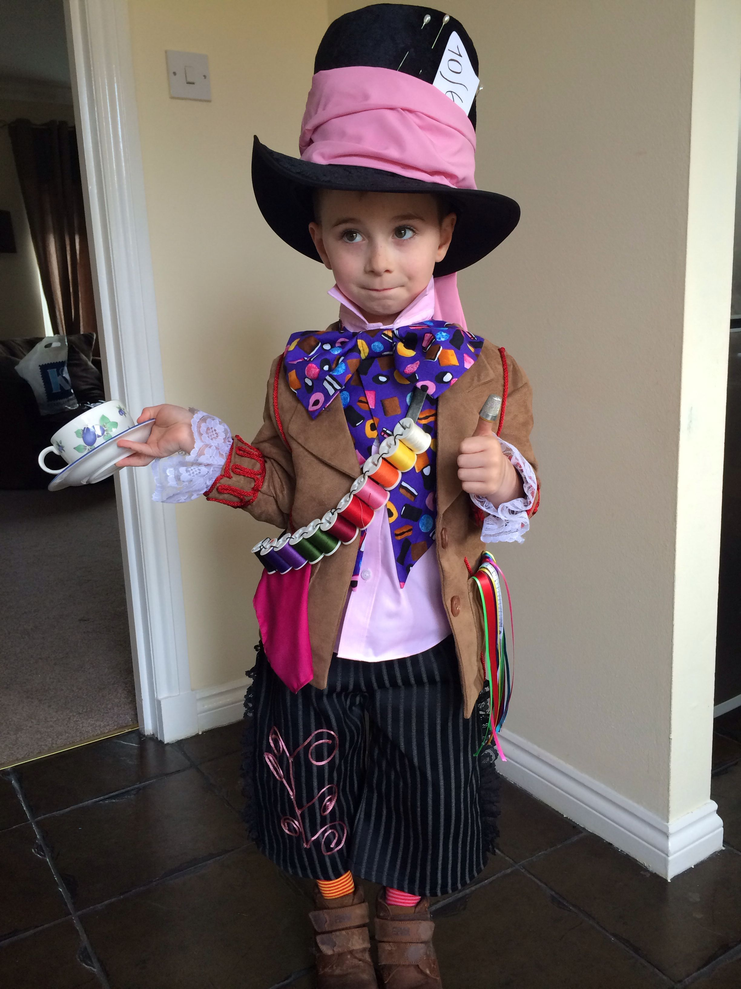 Boys Girls Vampire Disney Mad Hatter Book Week Day 19 Costume Fancy Dress Outfit