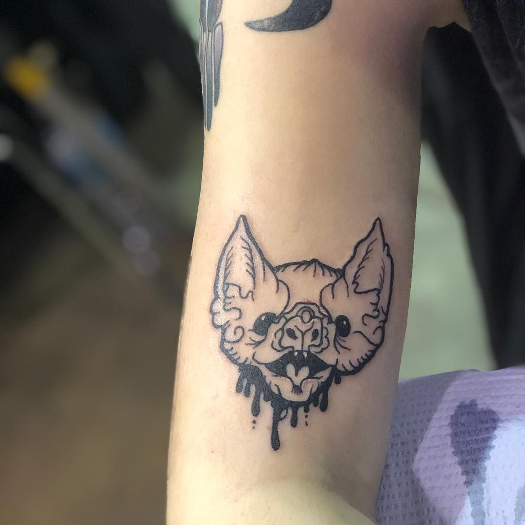 Watch the Best YouTube Videos Online - got to do my little bat head that ive had forever! thank you so much for getting him. done at the chicago @villainarts convention. . . . . #tattoo #tattooarist #ink #blackwork #blackworktattoo #villainarts #donaldestephensconventioncenter #blackandgreytattoo #blackandgrey #chicago #chitown #rosemont #illinois #bat #bathead #battattoo #broward #southflorida #tattooconvention