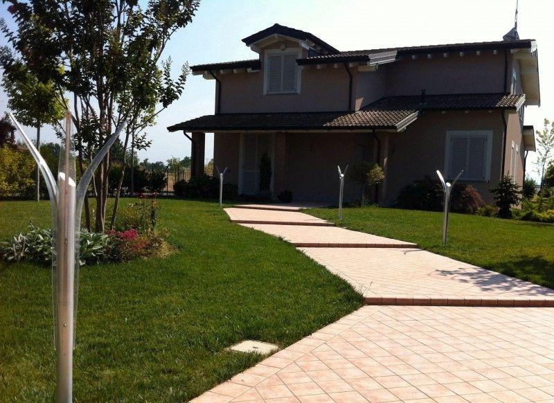 illuminazione esterna villa moderna illuminazione