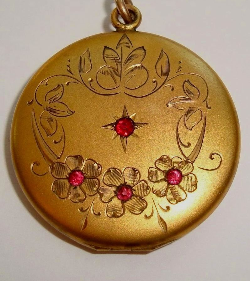 ANTIQUE C 1900 LARGE VICTORIAN JEWEL LOCKET GOLD F RED