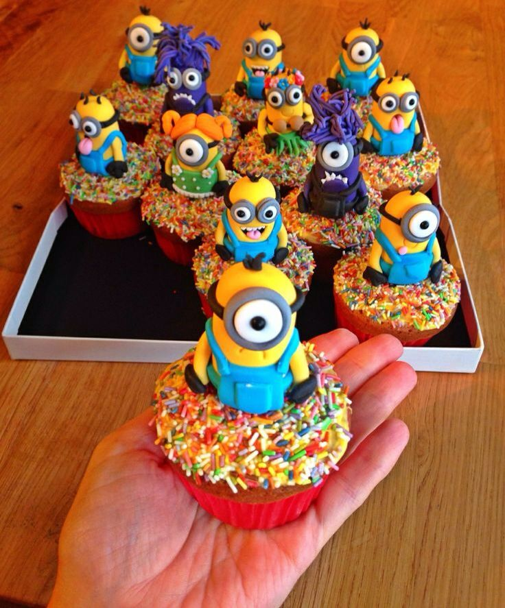 Cup cake minions