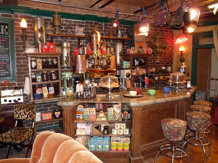Friends Tv Show Set Friends Tv Friends Cafe Friends Tv Show