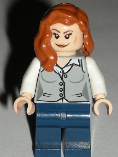 LEGO Lois Lane Minifigure Female Girl From Superman set 76009 new