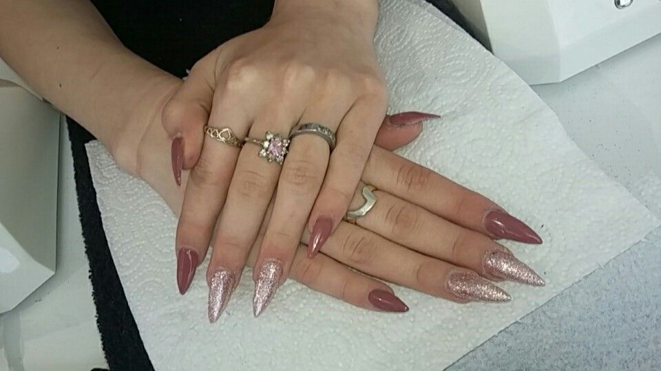 Rose gold and pink nails 😍😍😍