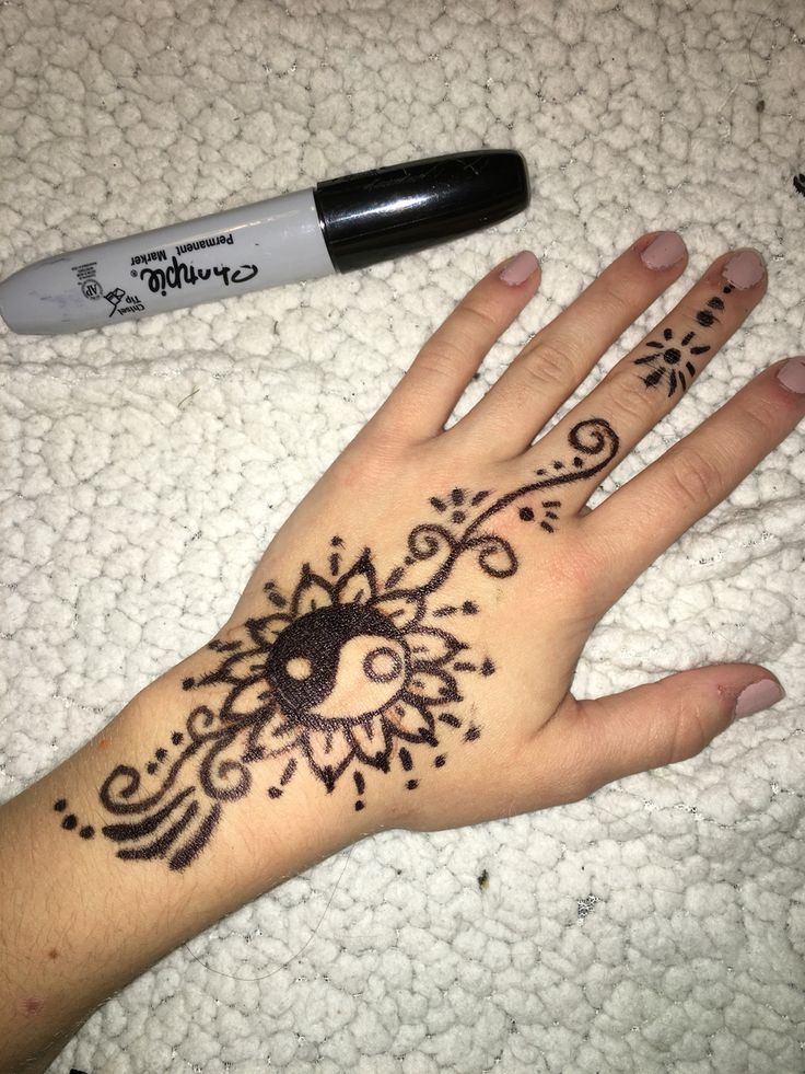 Fine Lightweight Simple Henna With Felt Tip Pen Felt Henna Lightweight Pen Simple Tip Sharpie Tattoos Pen Tattoo Hand Tattoos